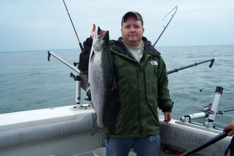 Lake michigan fishing charters and guides directory for Michigan fishing charters